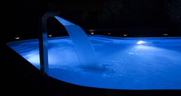 Illuminazione e giochi di luce per le piscine interne - Blog i.Blue