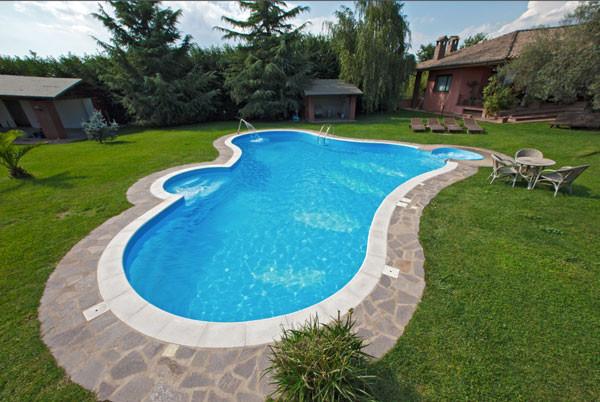 idee per giardino con piscina ~ ulicam.net = varie forme di ... - Come Arredare Un Giardino Con Piscina