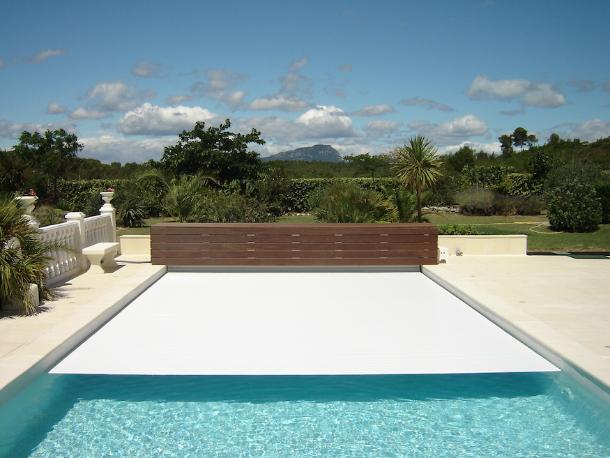 Coperture scorrevoli per piscine blog i blue for Teli copripiscina fuori terra