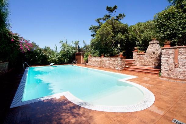 Pozzetto in vetroresina per piscine interrate blog i blue - Blog piscine interrate ...