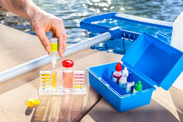 Come trattare l 39 acqua della tua piscina blog i blue for Piani del padiglione della piscina
