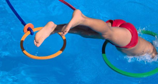 5 giochi per bambini da fare in piscina blog i blue - Bambini in piscina a 3 anni ...
