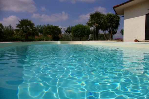 evitare gli sprechi d'acqua in piscina