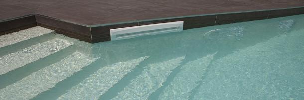 Che differenze ci sono tra skimmer e skimmer sfioratore for Piani di progettazione della piscina