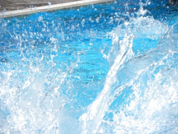 Scivolo per piscina modello toboga wave blog i blue for Piscina wave