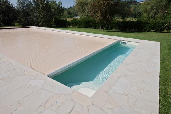 Chiusura della piscina cosa ti serve sapere blog i blue - Blog piscine interrate ...