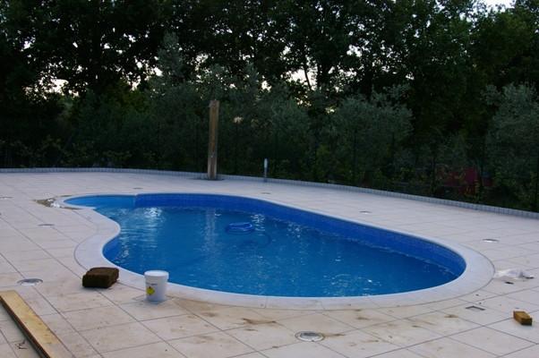 Ristrutturazione del bordo di una piscina interrata blog - Blog piscine interrate ...